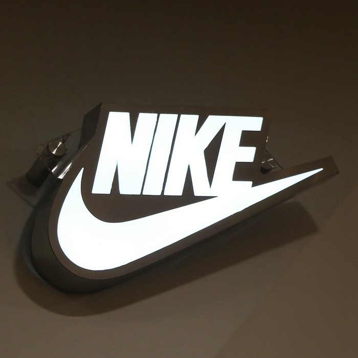 Nike Online Shop epoxy