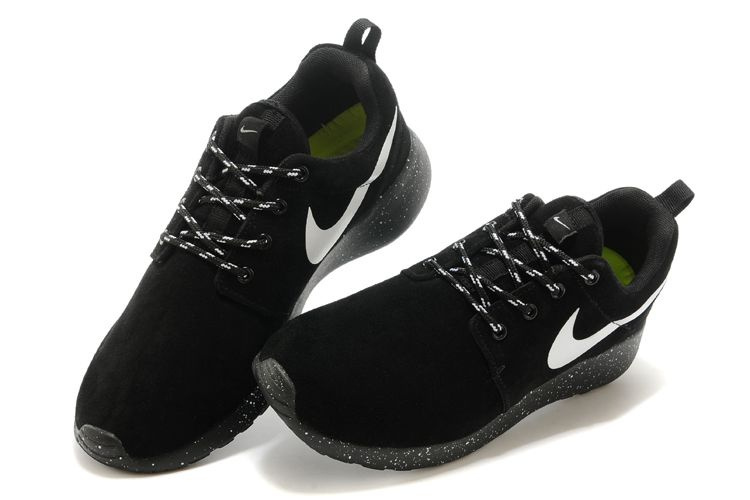 0f958eef14446 Nike Roshe Run Men Black Outfit ibrowncontracts.co.uk