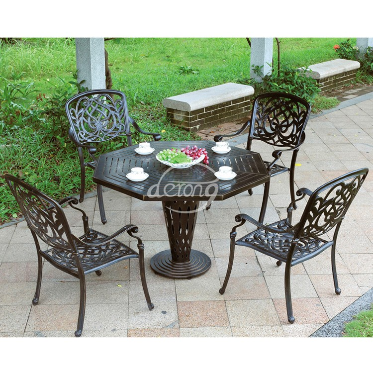 European Garden Cast Aluminum Bistro Table And Chairs