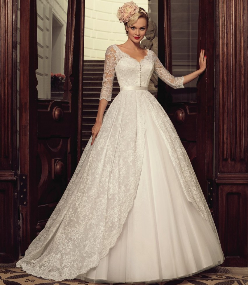 Sapphire Bridal Vintage Wedding Dress 3 4 Sleeve White: A Line V Neck 3/4 Sleeves Lace Wedding Dresses Buttons