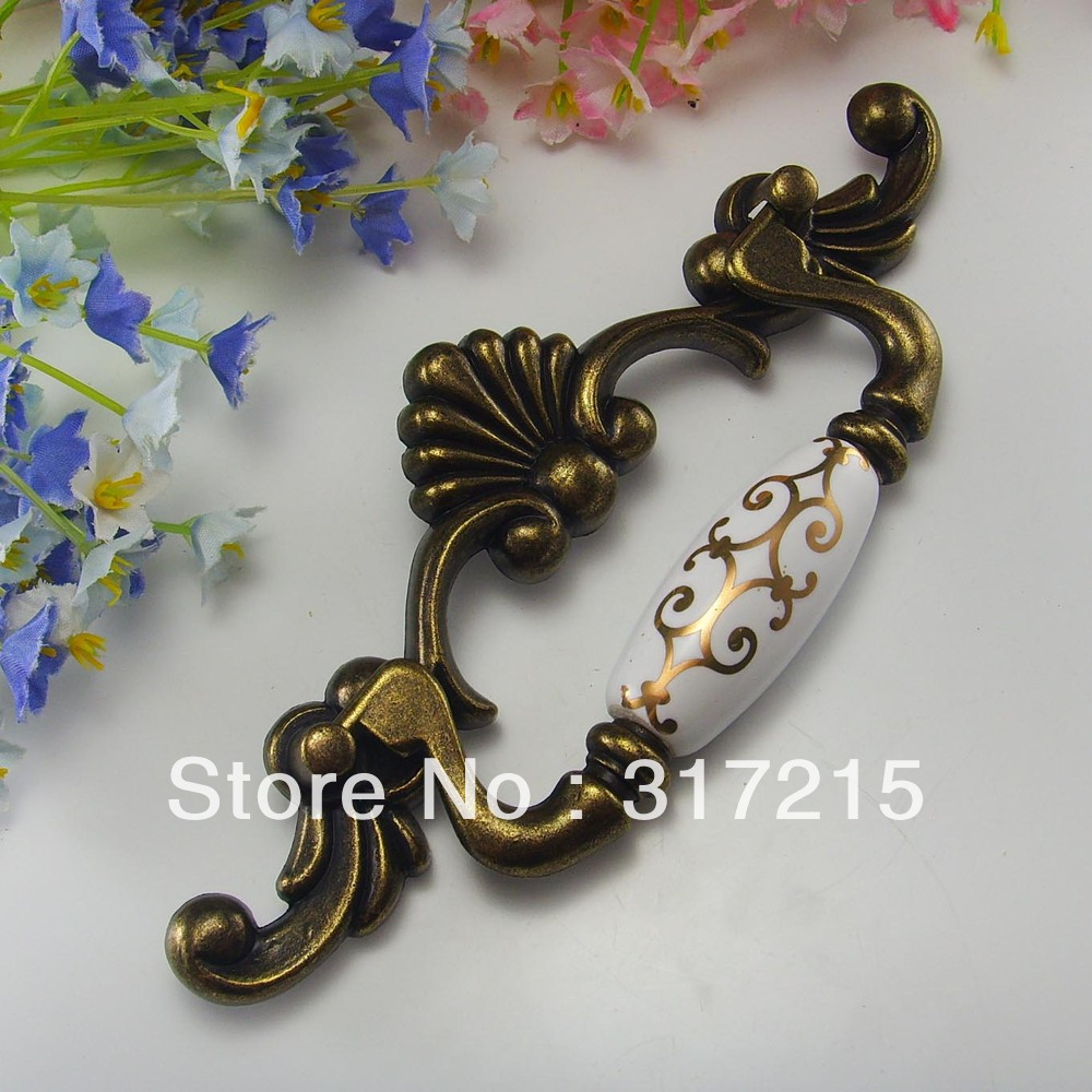 antique brass door handles and knobs drawer pulls furniture hardware wholesale and retail. Black Bedroom Furniture Sets. Home Design Ideas