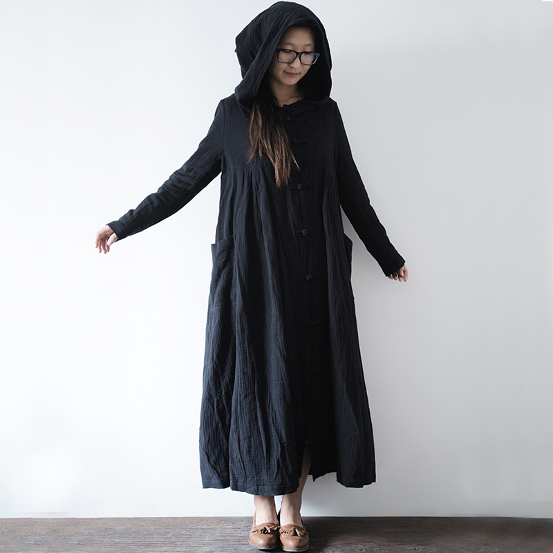 Black Cloaks 16