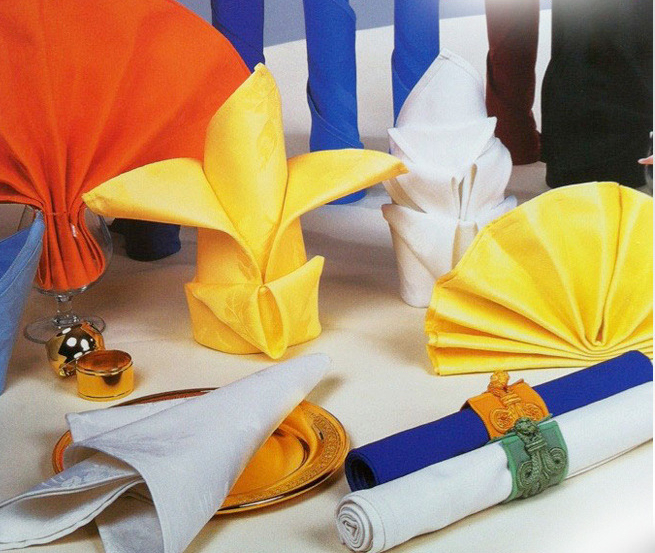 serviette de table restaurant pliage serviette papier id. Black Bedroom Furniture Sets. Home Design Ideas
