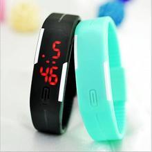 Jednoduché digitální hodinky