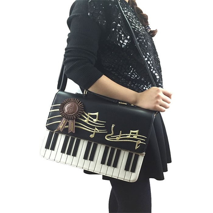 Evening Bags Is One Of My Favorite Bag Style The E Inside Handbag So That You Can Carry A Lot Items With It