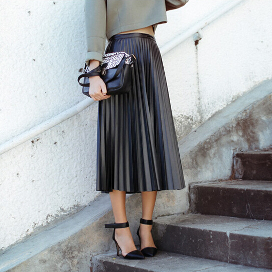Long skirts look flowy, just visit coolzloadwok.ga to buy. Here you can get a wide range of long skirts for women, such as long maxi skirts, pencil skirts, denim skirts, pleated skirts, a line skirts, floral skirts, chiffon skirts, black, white, red and khaki skirts.