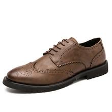 Популярные мужские туфли-оксфорды; Итальянская кожаная обувь; Новый стиль; Обувь с перфорацией типа «броги»; Мужская официальная обувь в ви...(Китай)