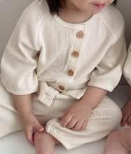 Осенние модные комплекты одежды для маленьких мальчиков костюм из 2 предметов детский хлопковый топ с короткими рукавами и пуговицами и шта...(Китай)