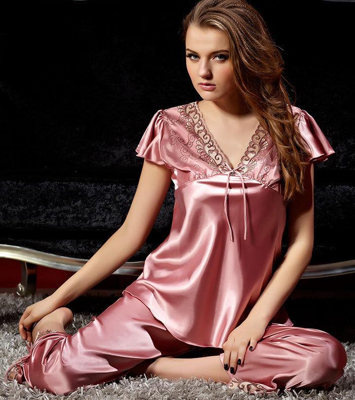 2019 2015Free Shipping Wholesales Price Women Silk Pajamas Short ... 5c00c7d01